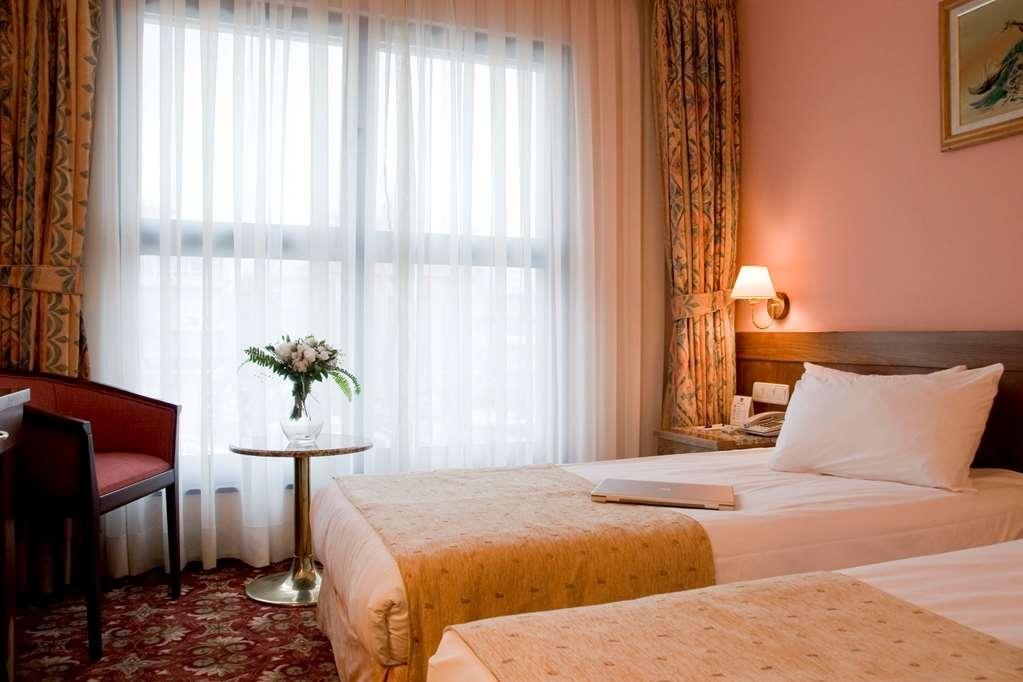 Best Western Hotel Ikibin-2000 - Two Twin Beds