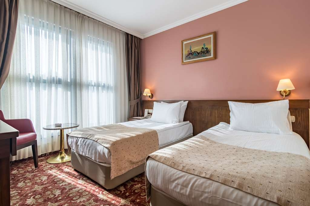 Best Western Hotel Ikibin-2000 - Two Twin Bed Guest Room