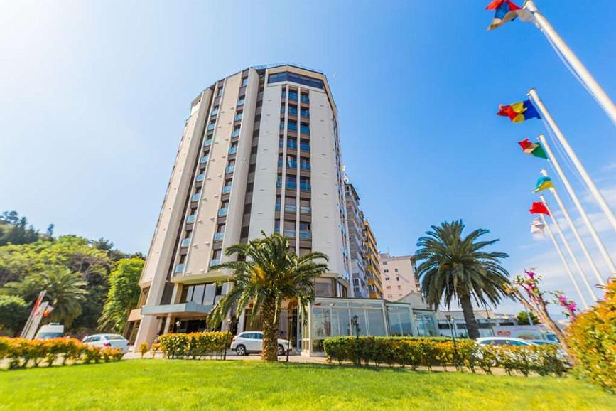 Best Western Plus Hotel Konak - Vista exterior