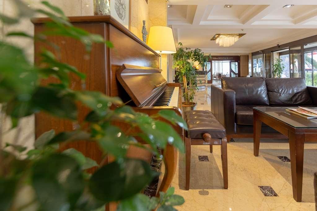 Best Western Plus Hotel Konak - Vista del vestíbulo