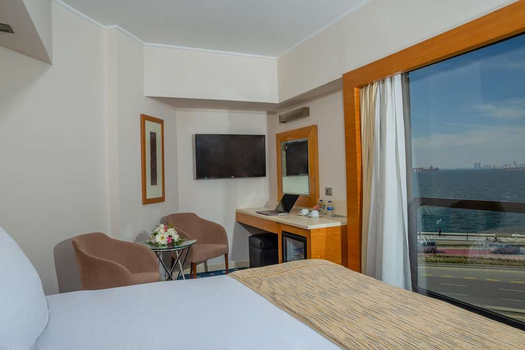 Best Western Plus Hotel Konak - King Bed Guest Room
