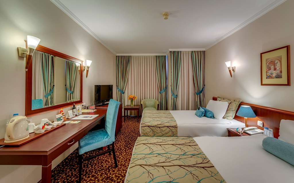 Best Western Plus Khan Hotel - Triple