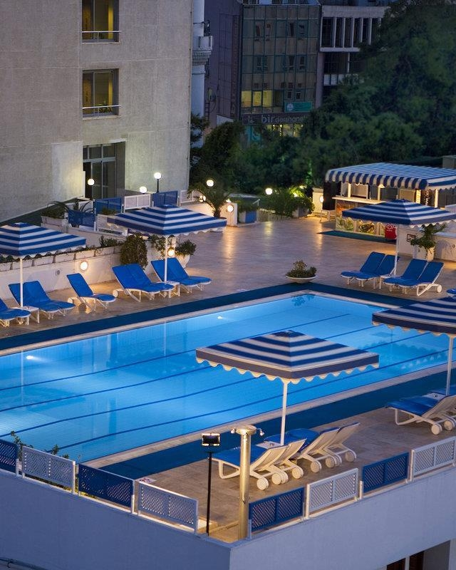 Best Western Plus Khan Hotel - Outdoor Swimming Pool