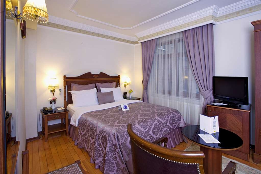Best Western Empire Palace - Guest Room