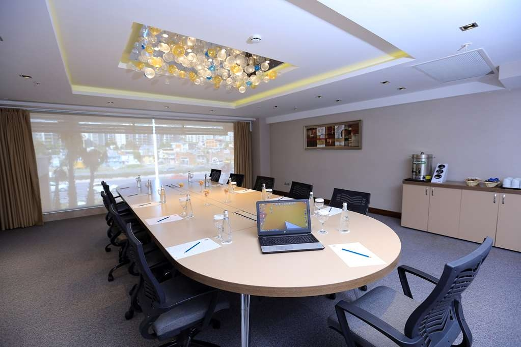 Best Western Premier Karsiyaka - Sala de reuniones