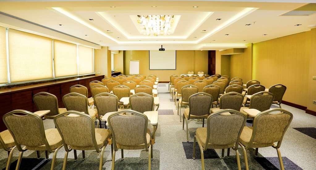 Best Western Premier Karsiyaka - Salle de réunion