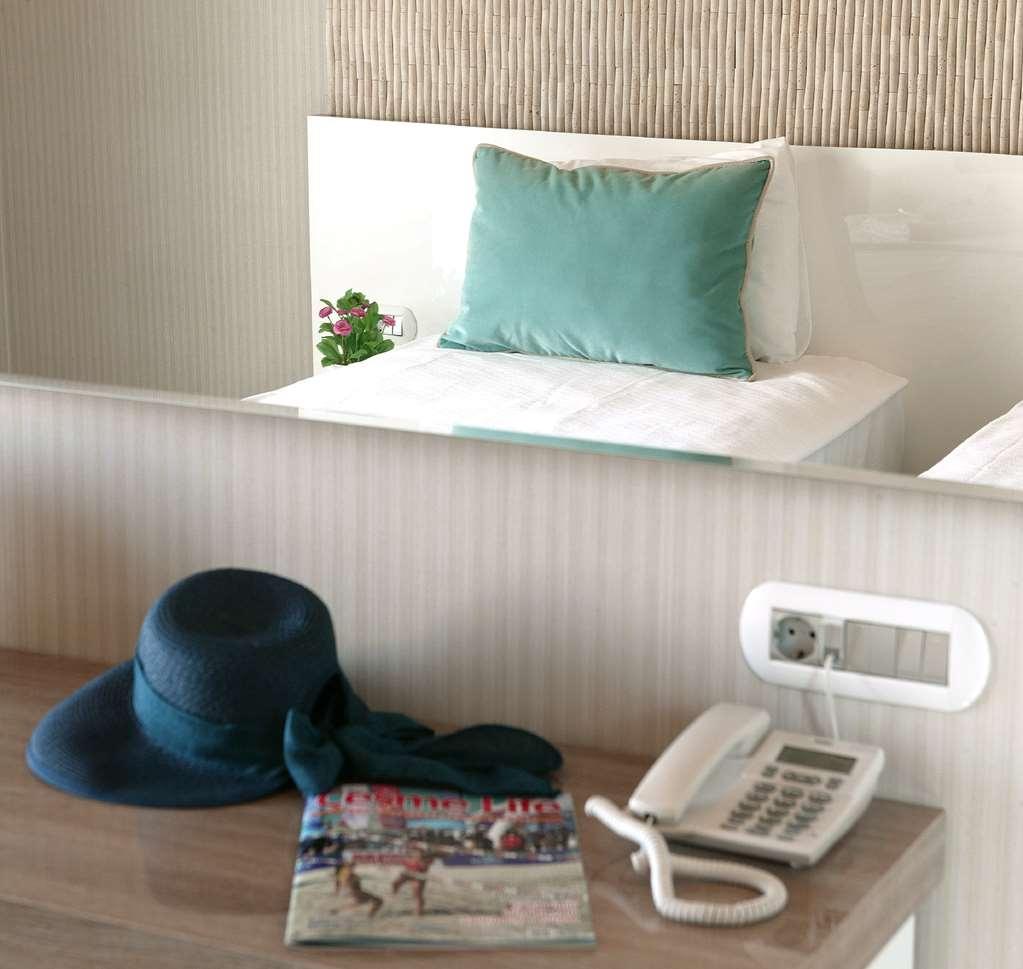 Best Western Plus Cesme Hotel - Gästezimmer/ Unterkünfte