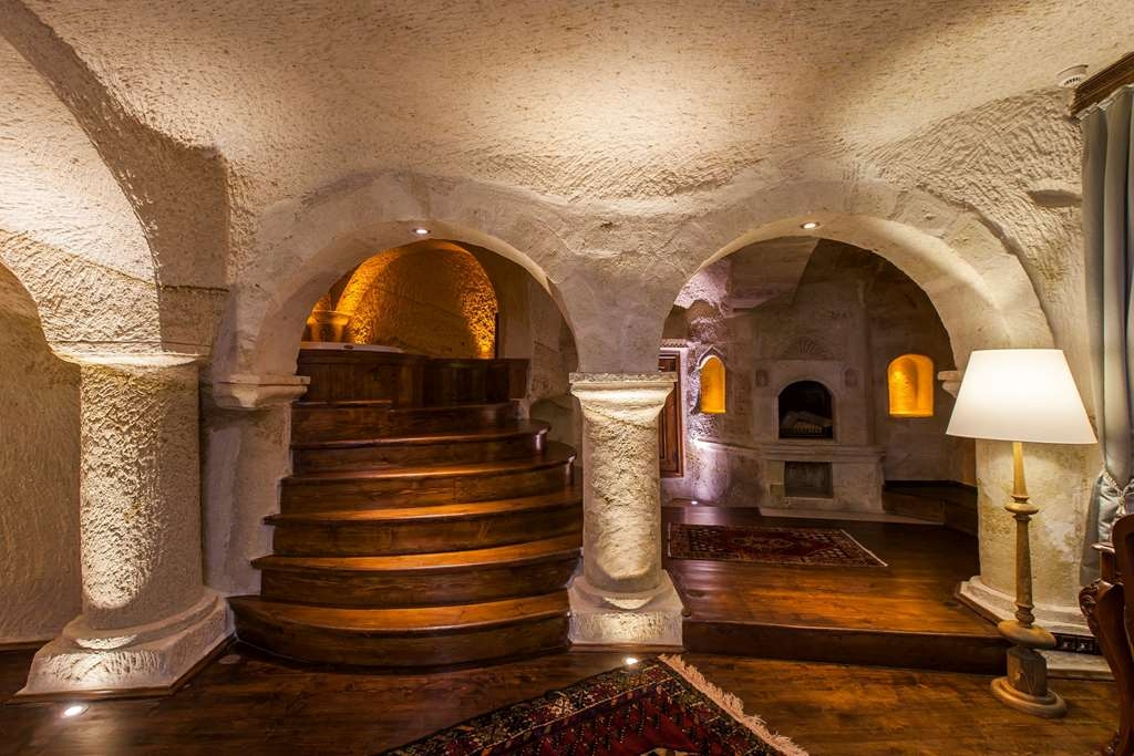 Best Western Premier Cappadocia - Guest Room with Whirlpool Tub and Fireplace