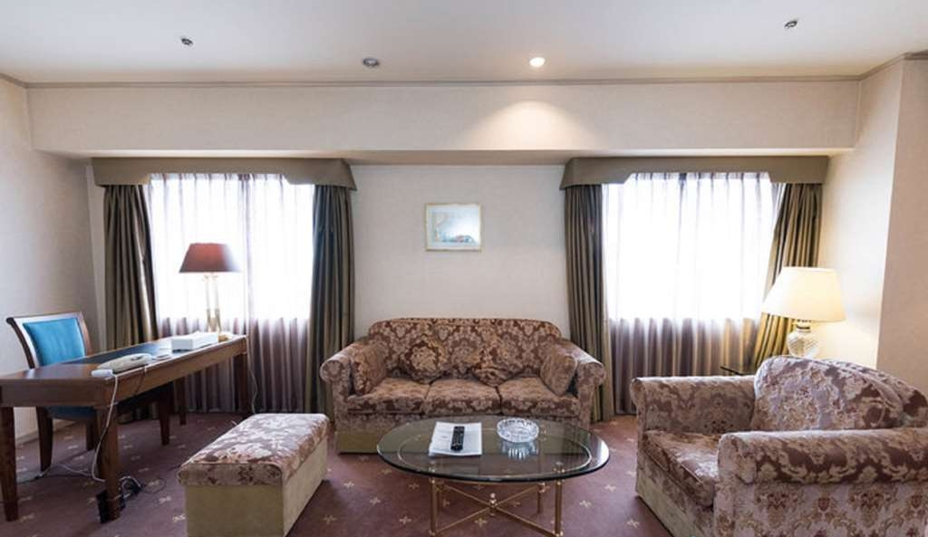 Best Western Hotel Nagoya - Executive Suite Room Living Room
