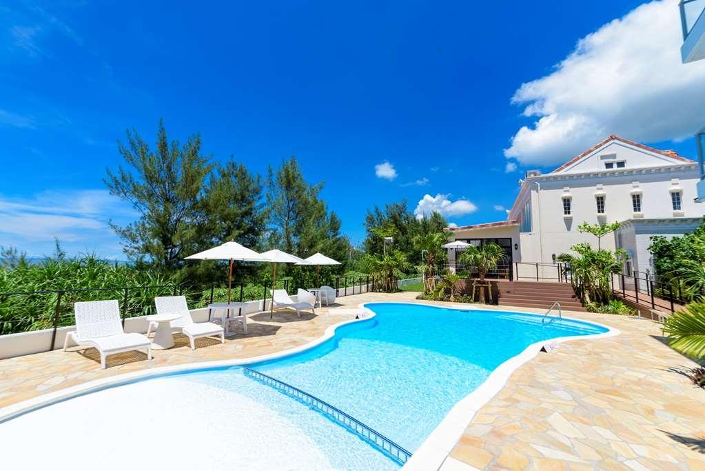 Best Western Okinawa Onna Beach - Vue de la piscine