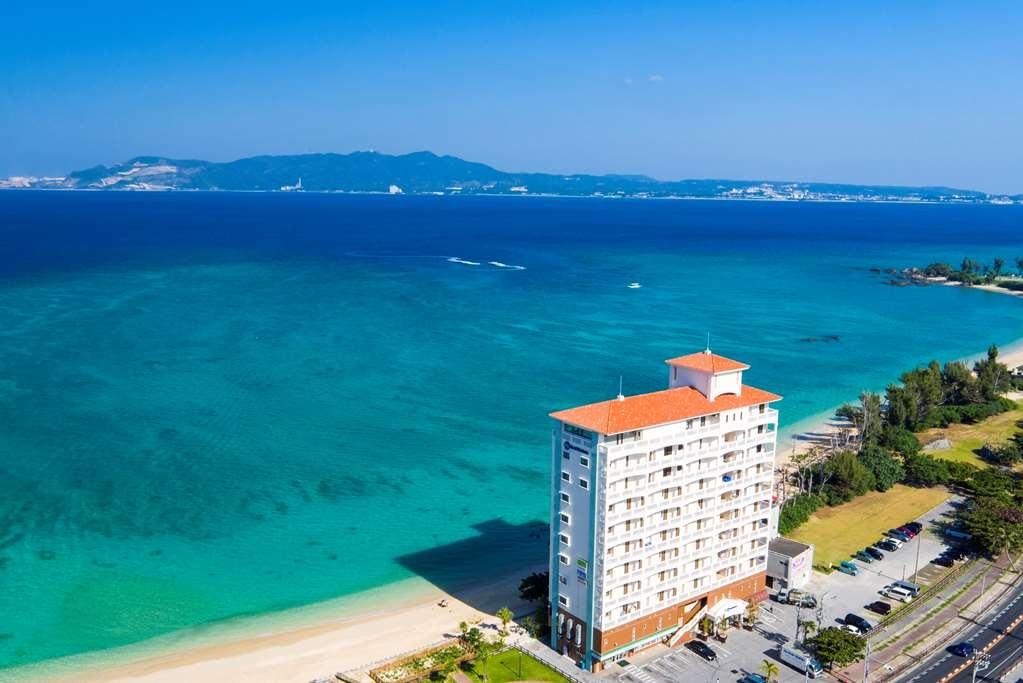 Best Western Okinawa Kouki Beach - Best Western Okinawa Kouki Beach Exterior Our Hotel is in front of the sea.