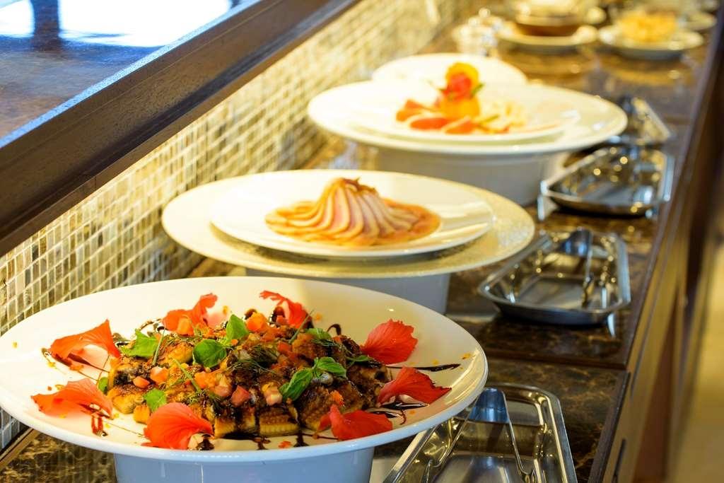 Best Western Okinawa Kouki Beach - Dinner