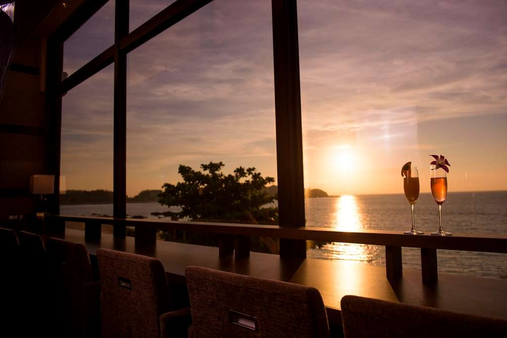 Best Western Okinawa Kouki Beach - Sunset at Restaurant