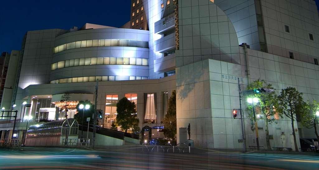 Best Western Rembrandt Hotel Tokyo Machida - Hotel Building Night Time