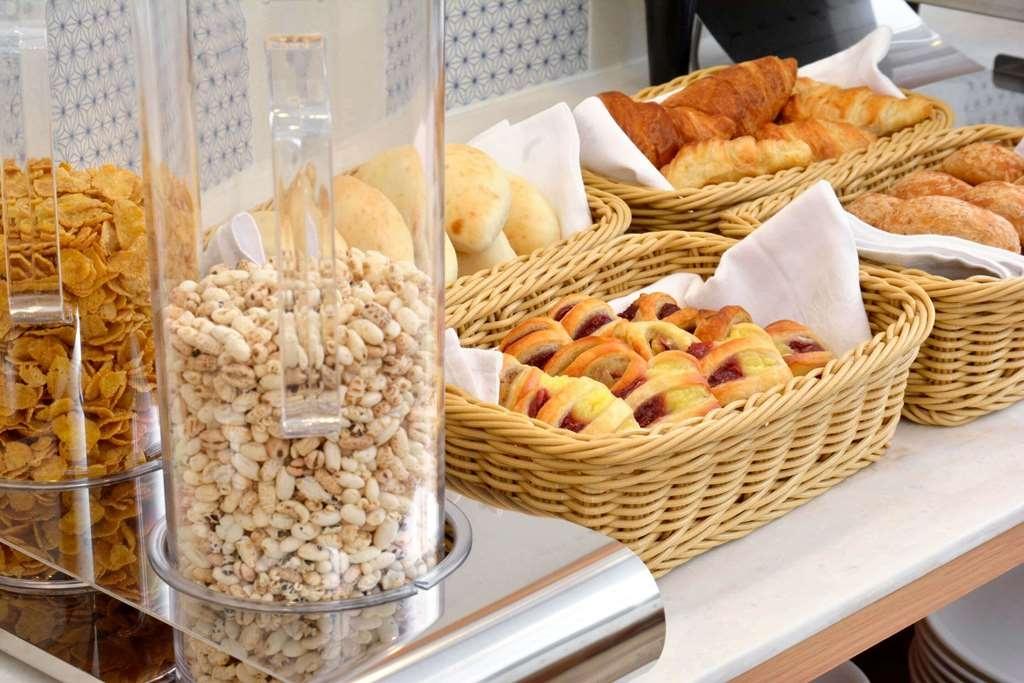 Best Western Tokyo Nishikasai Grande - Le petit déjeuner buffet