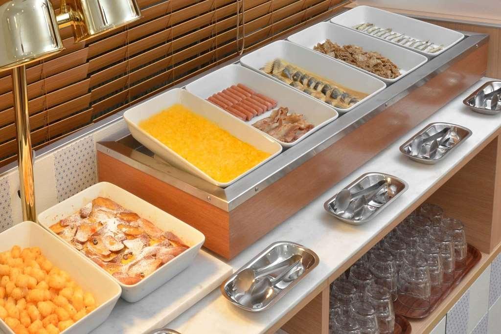 Best Western Tokyo Nishikasai Grande - Frühstücksbuffet