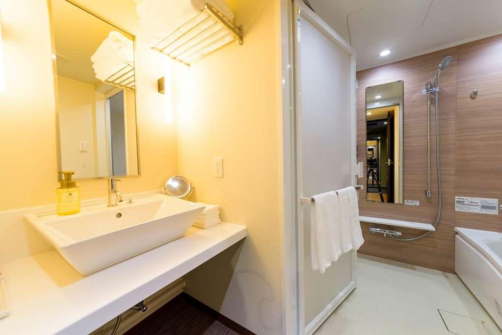 Best Western Plus Hotel Fino Chitose - Baño