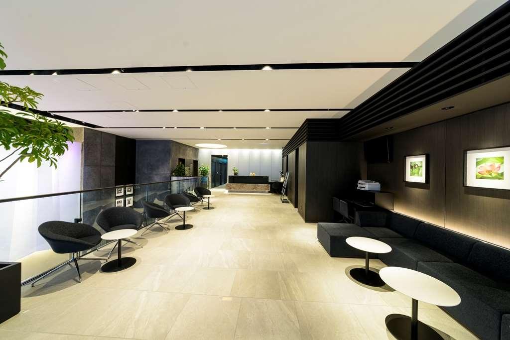 Best Western Plus Hotel Fino Osaka Kitahama - Lobby