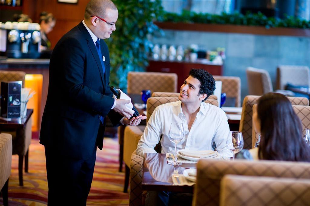 Best Western Premier Ocean Hotel - Restaurant
