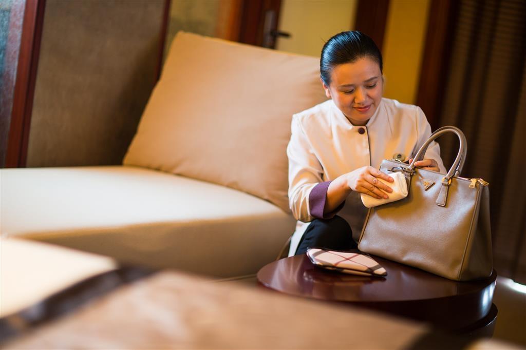 Best Western Premier Ocean Hotel - Room Service