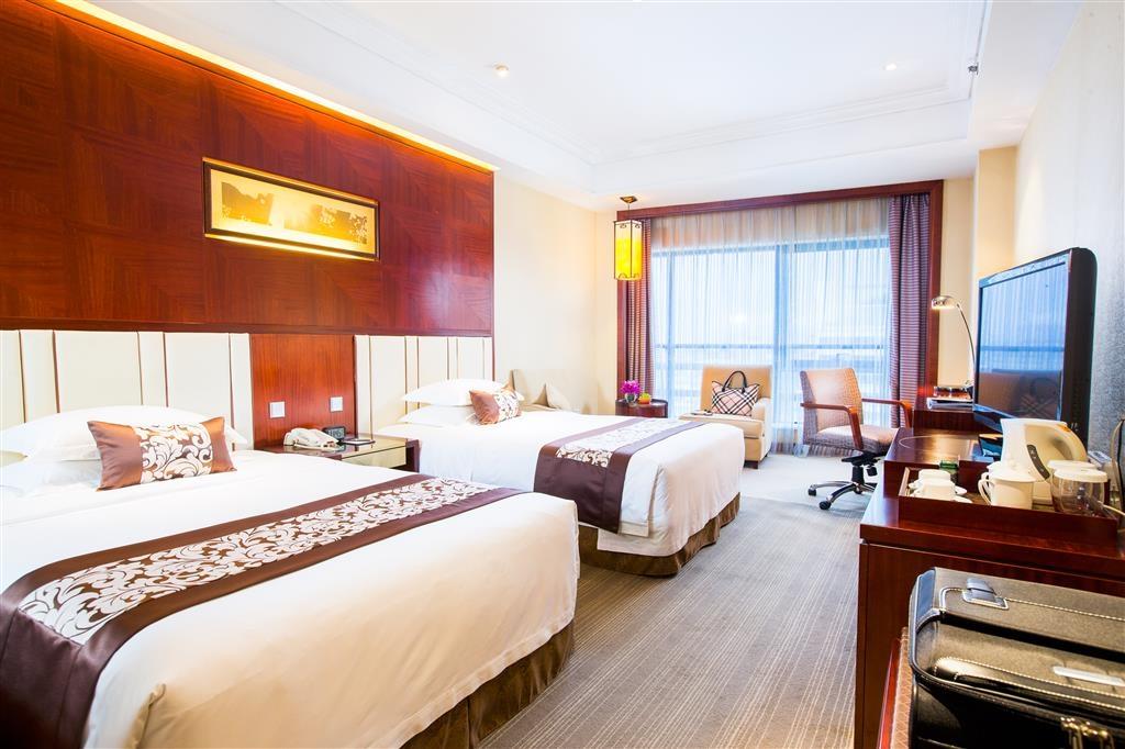Best Western Premier Ocean Hotel - Deluxe Executive Twin Bed Room