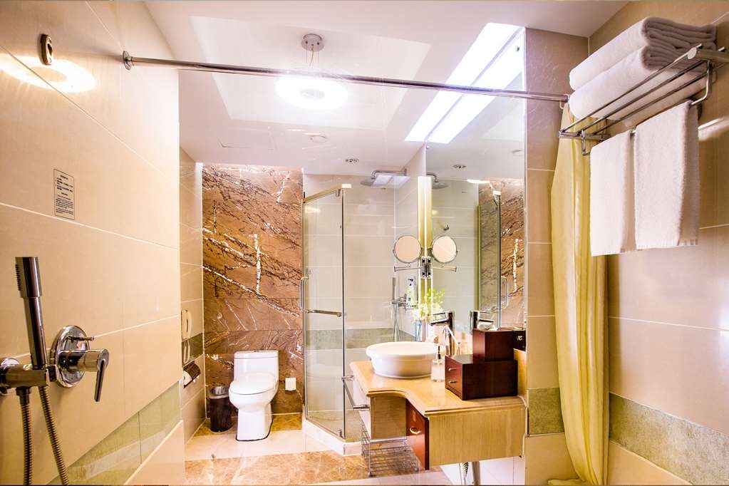 Best Western Premier Ocean Hotel - 2 Single Beds Guest Room