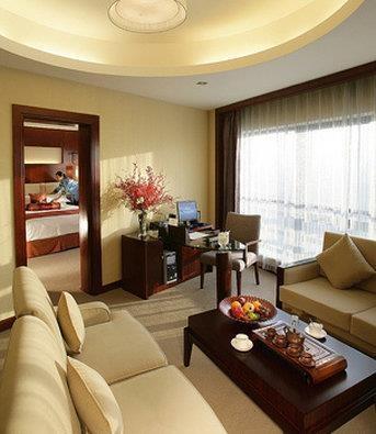 Best Western Premier Ocean Hotel - Guest Suite