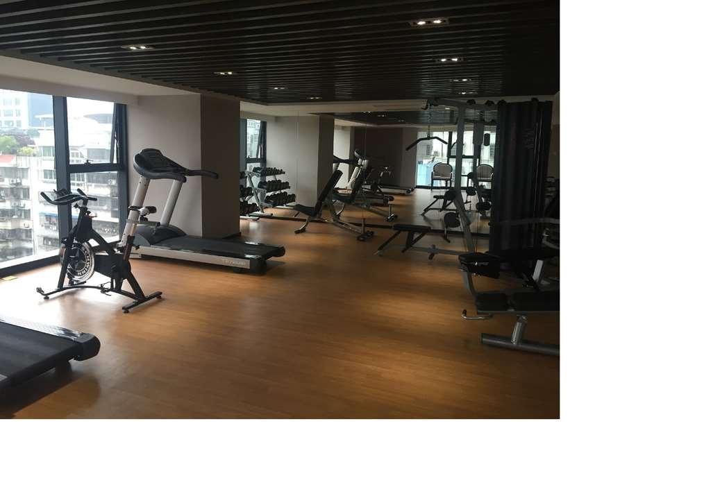 Best Western Plus Park Hotel Xiamen - sala de ejercicios