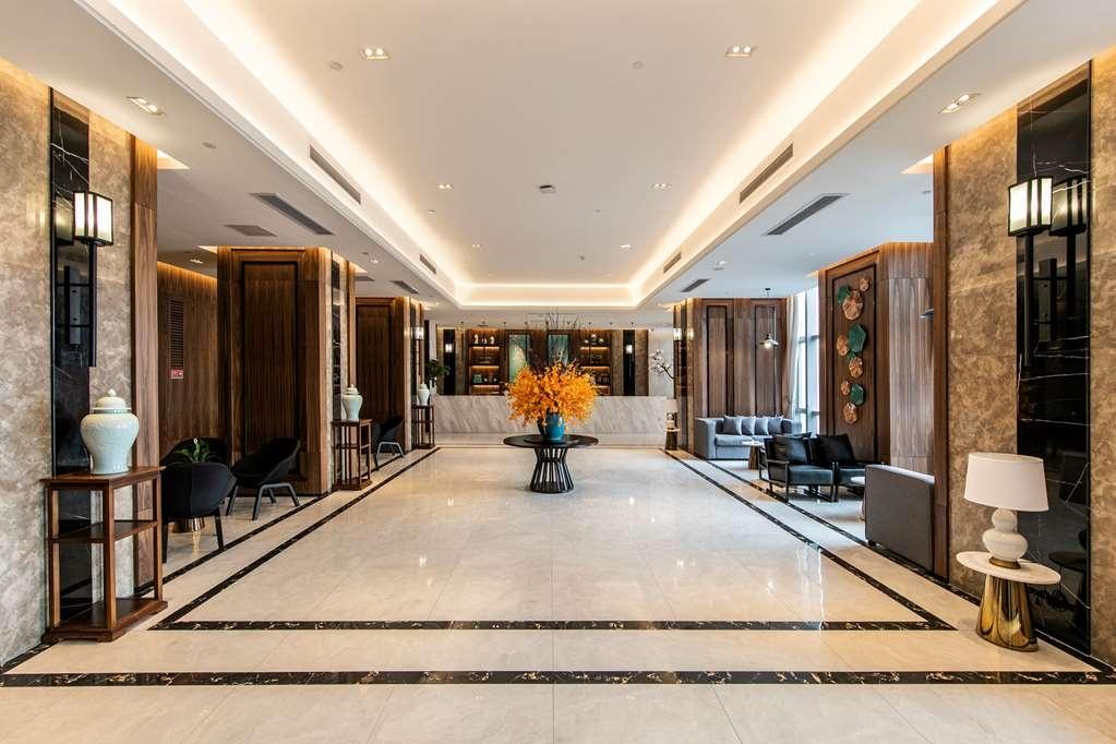 Best Western Plus Ouyue Hotel Fuzhou - Reception Desk