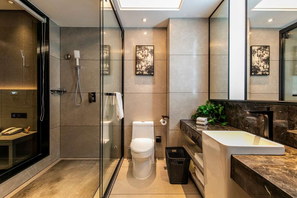 Best Western Plus Ouyue Hotel Fuzhou - DD SWD Bathroom