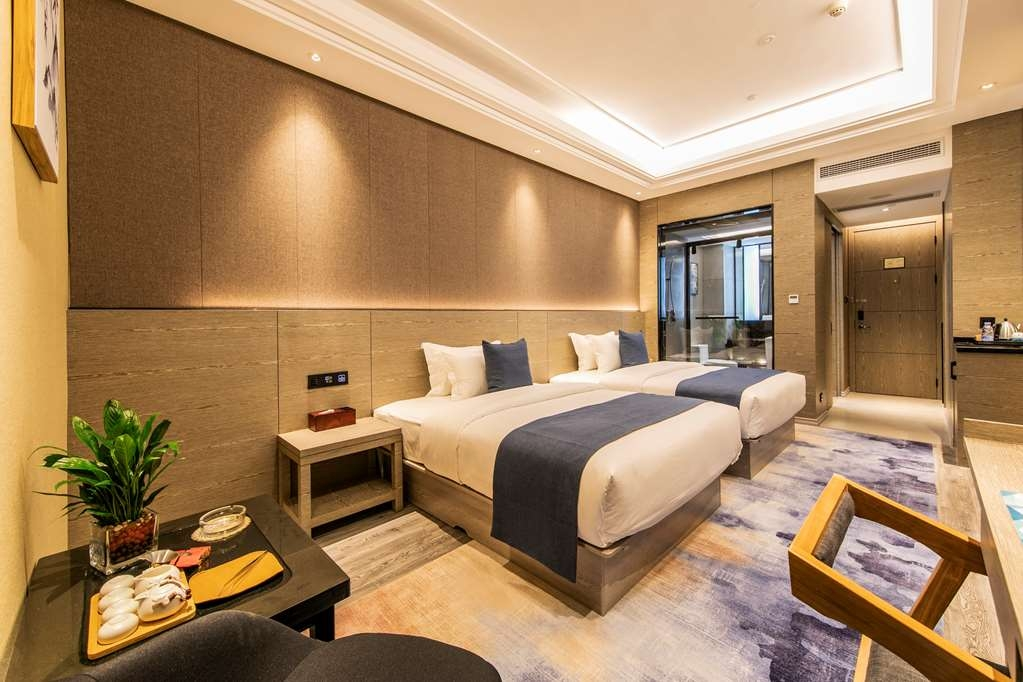 Best Western Plus Ouyue Hotel Fuzhou - Superior Guest Room with Two Double Size Beds