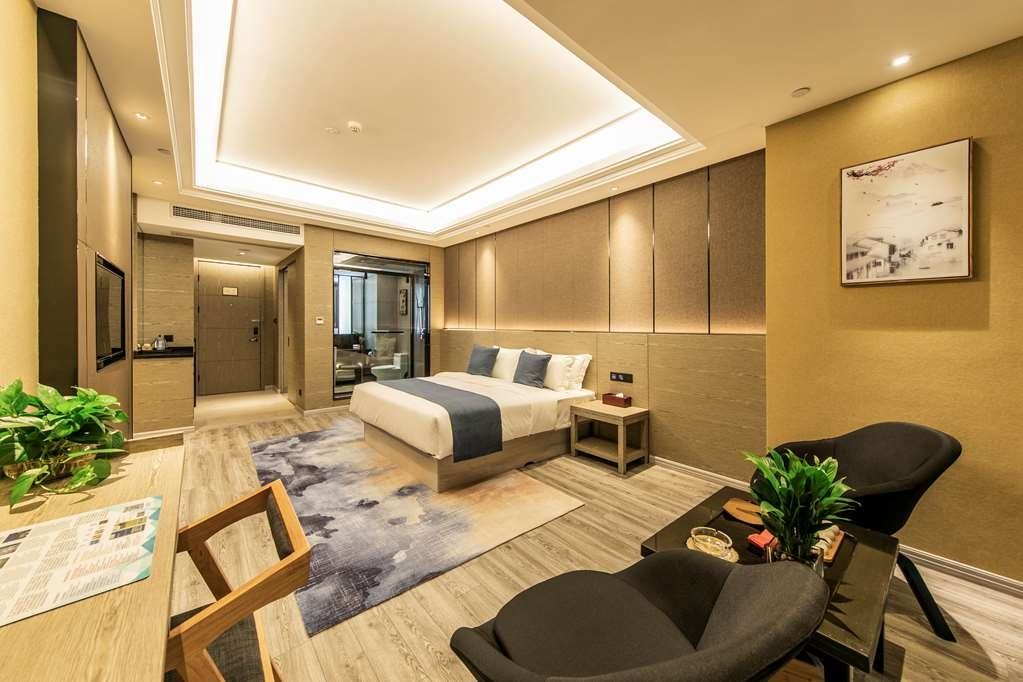 Best Western Plus Ouyue Hotel Fuzhou - Superior Guest Room with One Queen Size Bed
