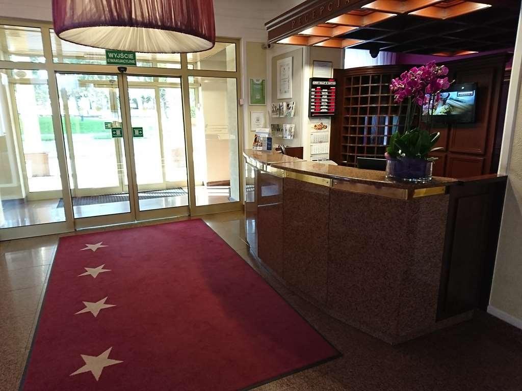 Best Western Hotel Cristal - Vista del vestíbulo