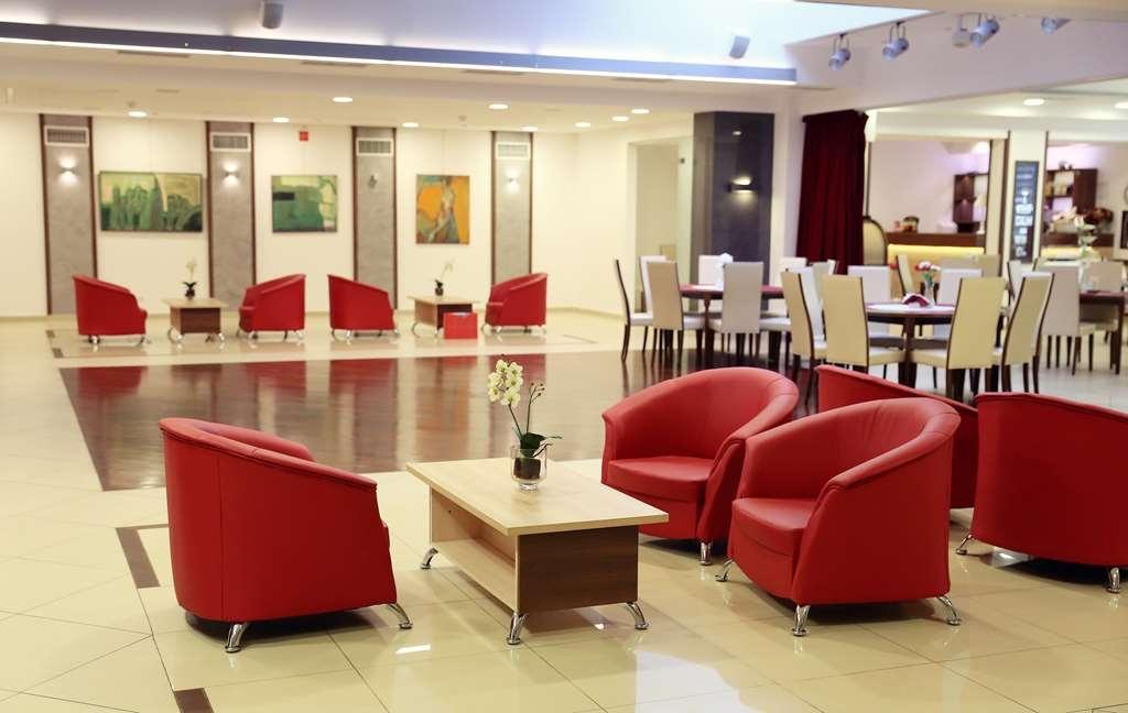 Best Western Hotel Poleczki - Lobbyansicht