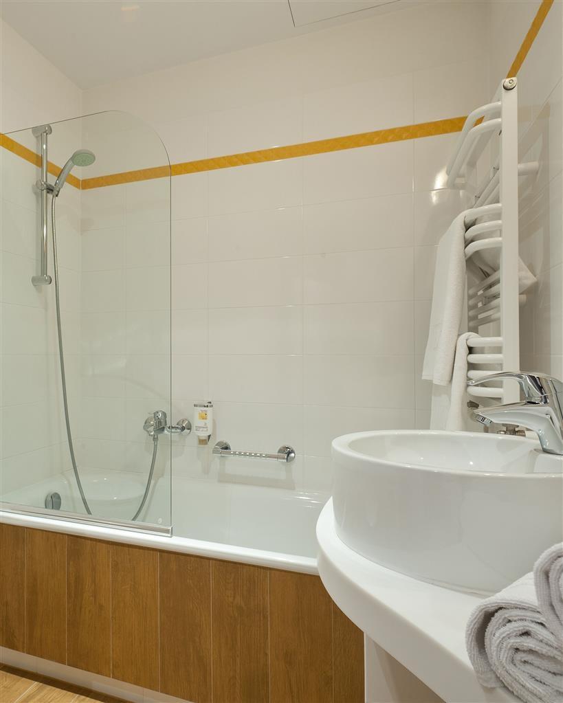 Best Western Plus Arkon Park Hotel - Cuarto de baño de clientes