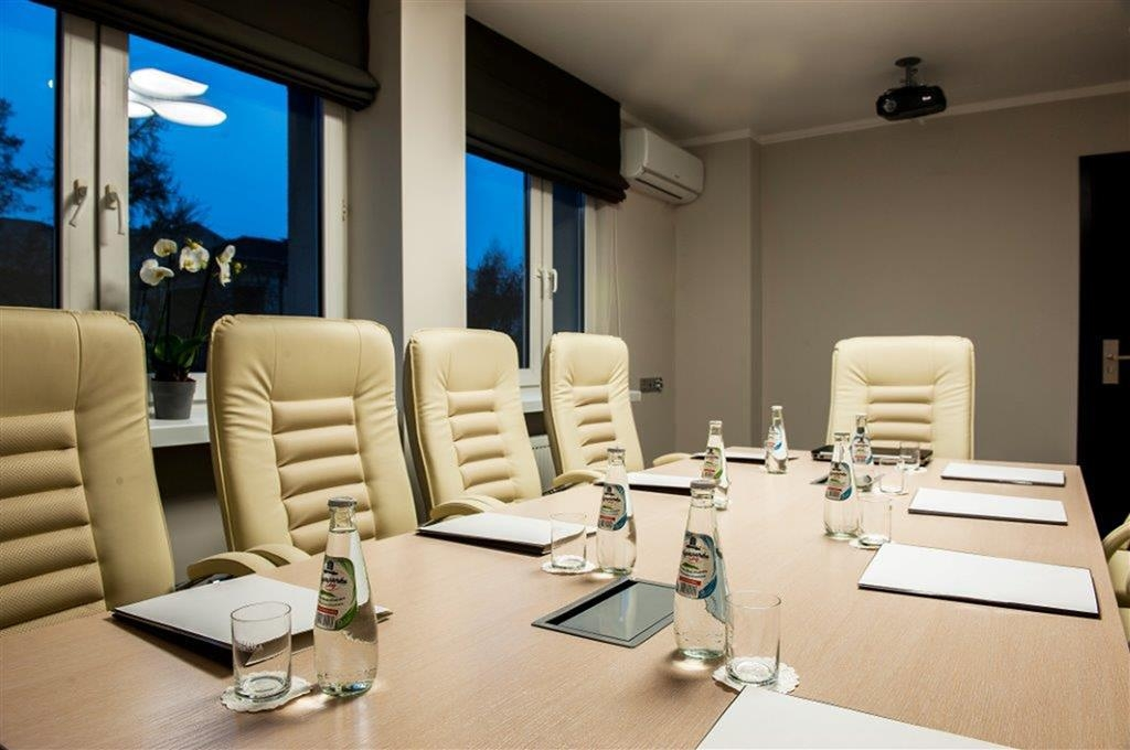 Best Western Hotel Trybunalski - We have a small room for business meetings.
