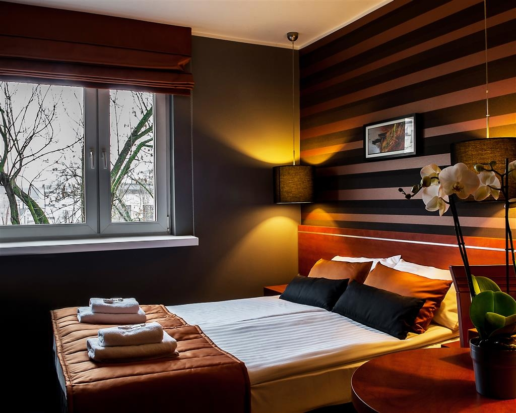 Best Western Hotel Trybunalski - Two Single Beds with Contemporary Decoration