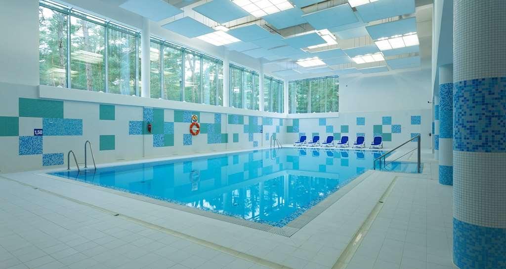Best Western Hotel Jurata - Vue de la piscine