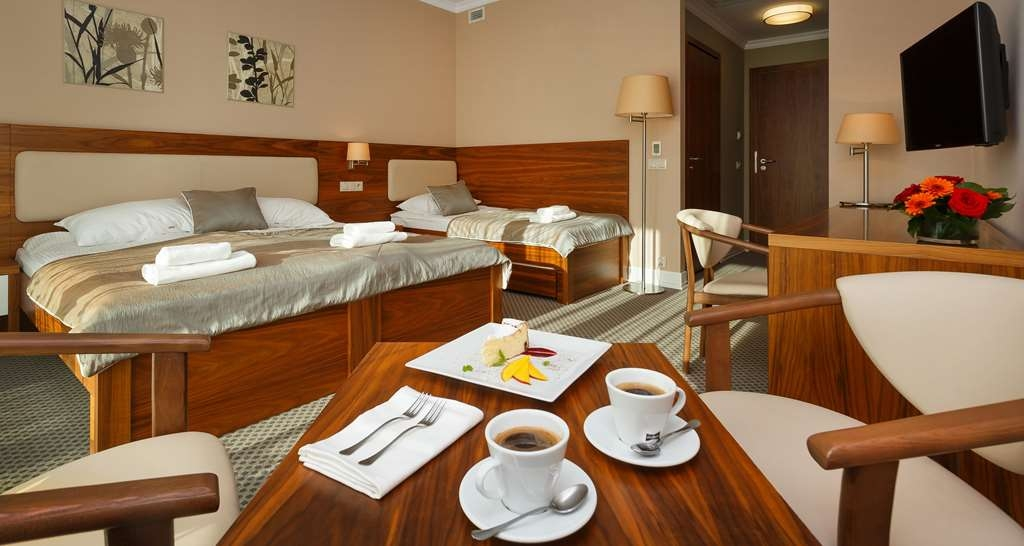Best Western Hotel Jurata - Three Twin Bed Guest Room - for the full family comfort.