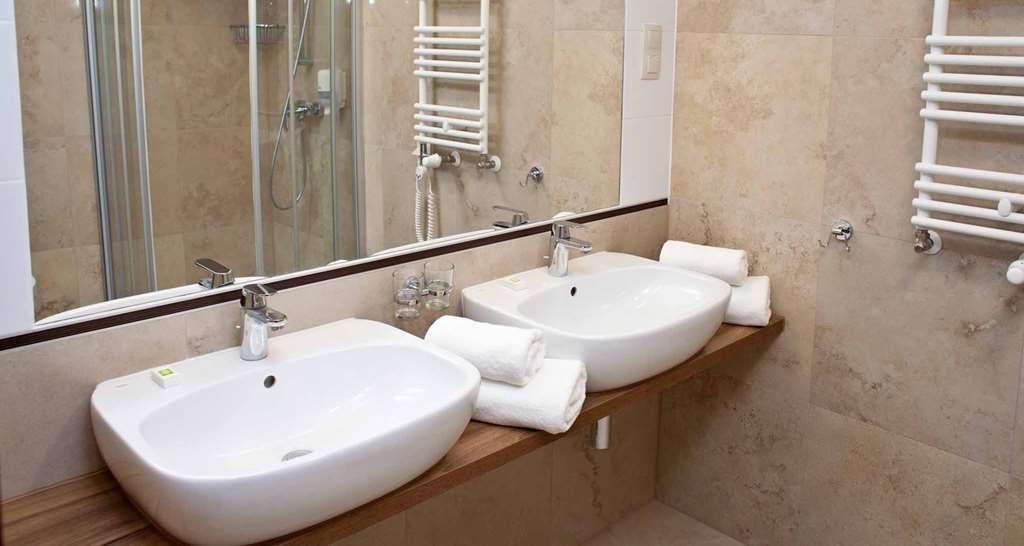 Best Western Hotel Jurata - Guest Bathroom Suite