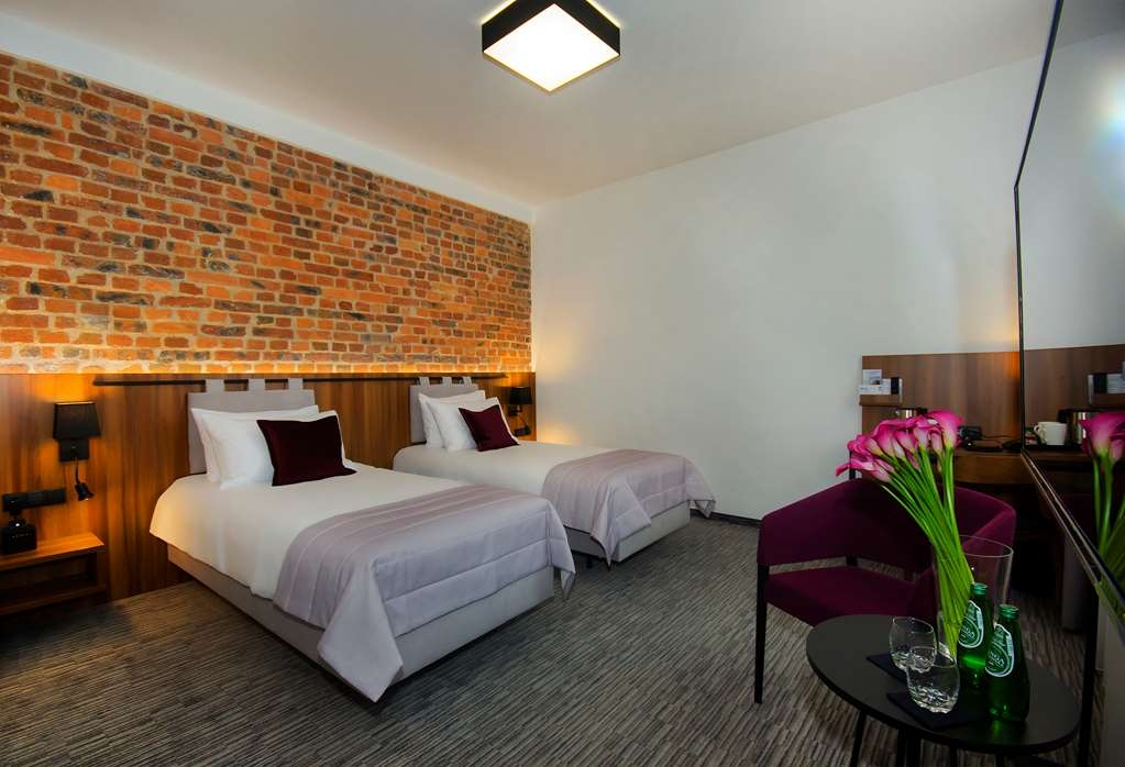Best Western Hotel Mariacki - Standard Twin Room with two single beds.