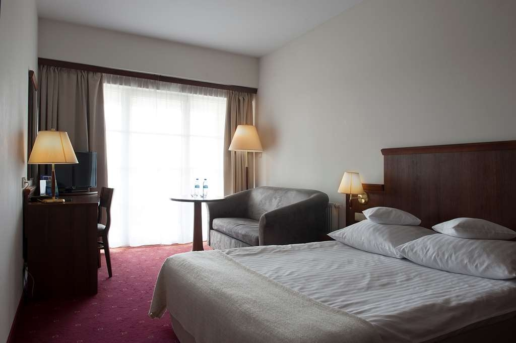 Best Western Hotel Edison - Guest Room with a Double Bed, Sofabed and a Balcony