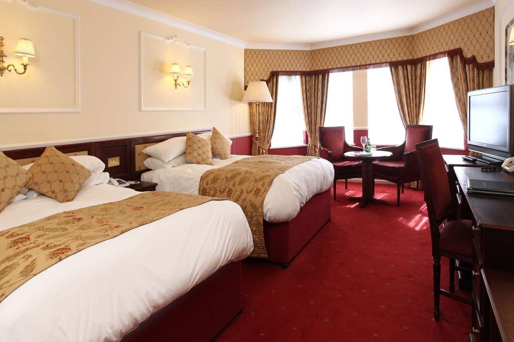 Birmingham North Moor Hall Hotel, BW Premier Collection - Two Double Bed Guest Room