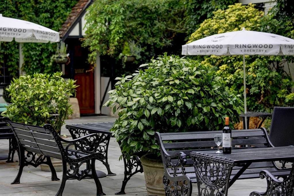 Best Western Salisbury Red Lion Hotel - red lion hotel grounds and hotel