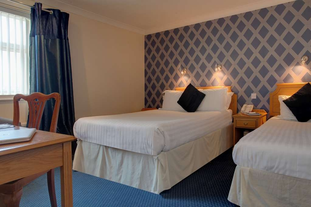 Best Western Parkmore Hotel - parkmore hotel bedrooms