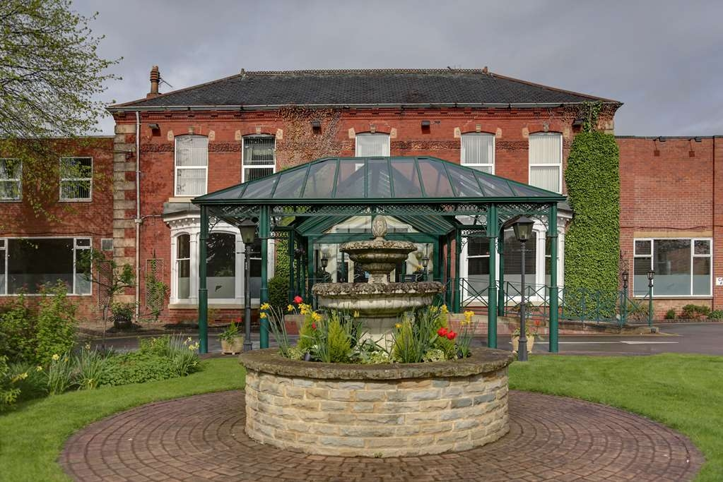 Best Western Parkmore Hotel - parkmore hotel grounds and hotel