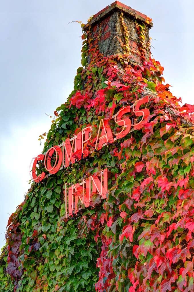 Best Western Compass Inn - compass inn grounds and hotel OP