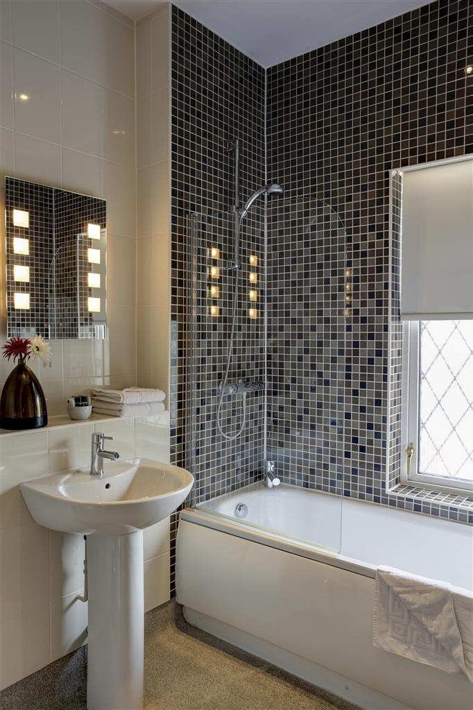 Best Western Westley Hotel - Guest Room Bathroom