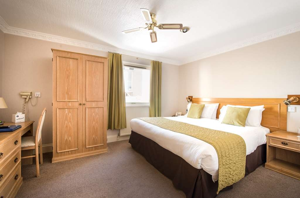 Best Western New Holmwood Hotel - new holmwood hotel bedrooms