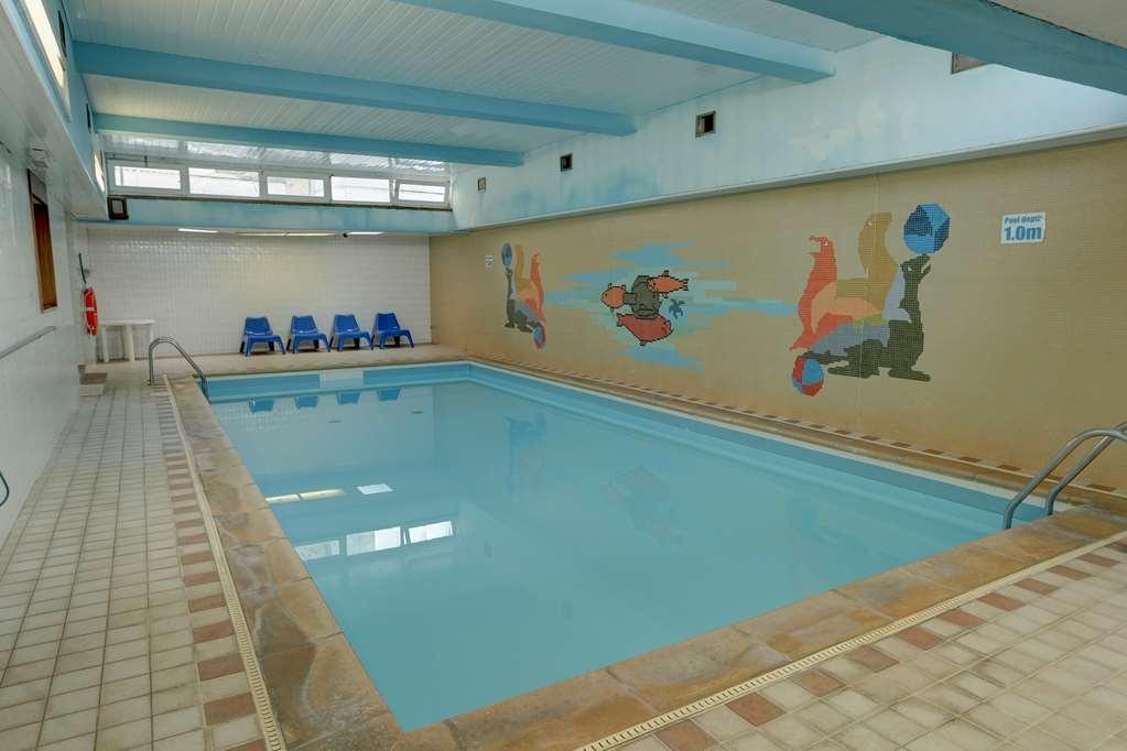 Best Western Hotel Bristol - Vista de la piscina